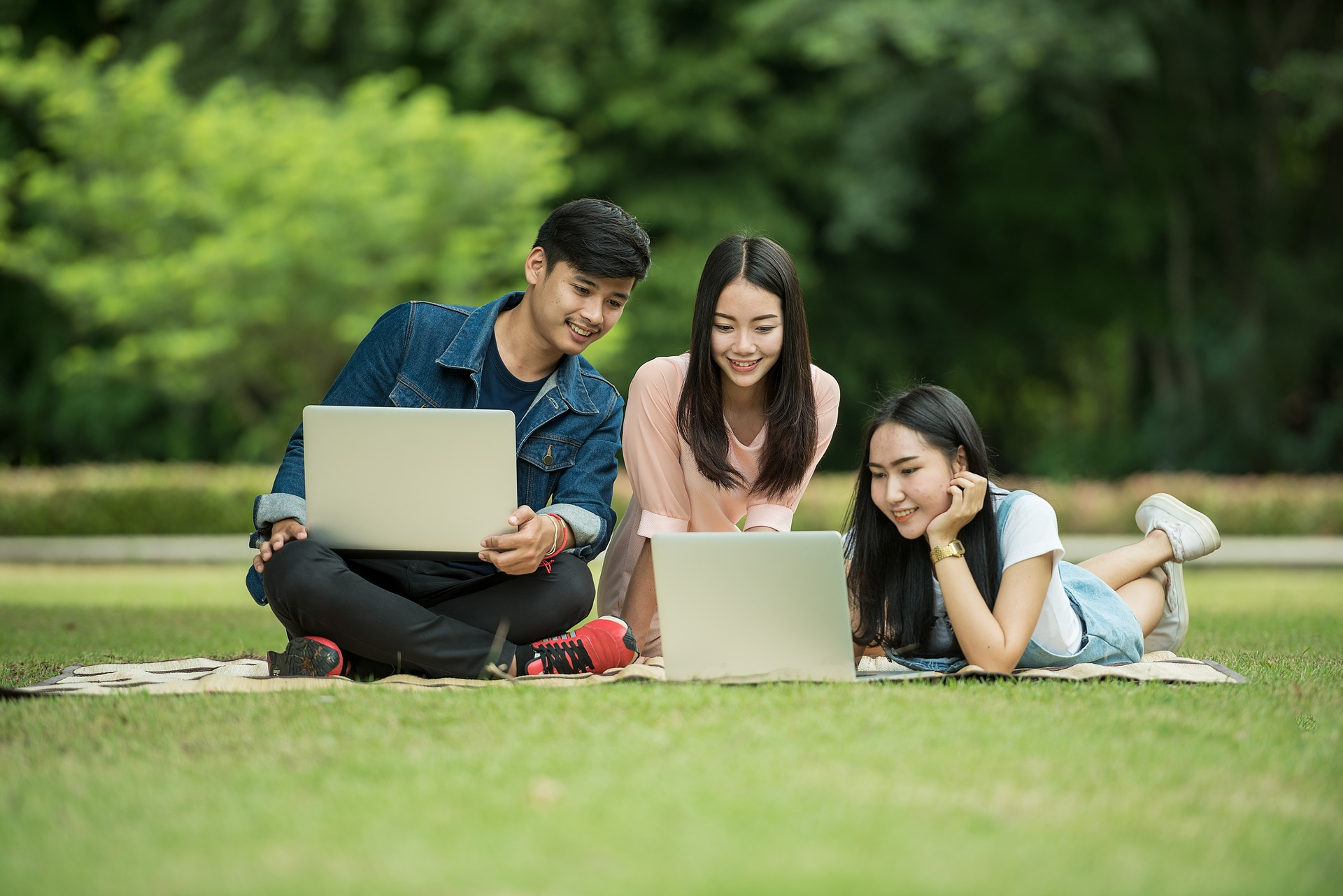 On the Road to Increase Student Enrollment Support